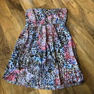Dresses & Skirts - Cute Detailed Strapless Dress-Size M